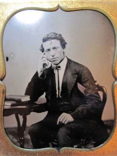 ANTIQUE VICTORIAN AMERICAN AMBROTYPE ANTIQUARIAN BOOK YOUNG MAN SUIT TIE PHOTO