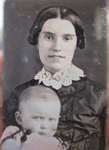 ANTIQUE AMERICAN BEAUTY DAGUERREOTYPE RARE SMILING MOTHER TEETH ANGEL BABY PHOTO