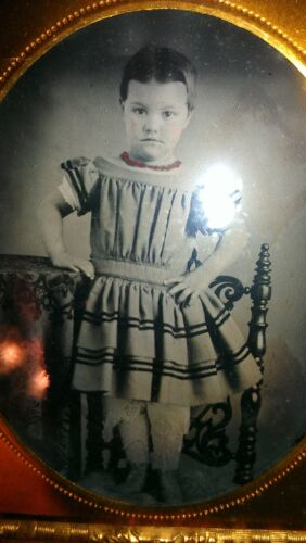 ANTIQUE CUTE GIRL RED NECKLACE JEWELRY CROCHET LEG 6th PLATE AMBROTYPE PHOTO