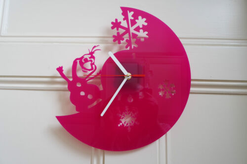 Frozen design wall clock, made from pink plexiglass [*L-1]