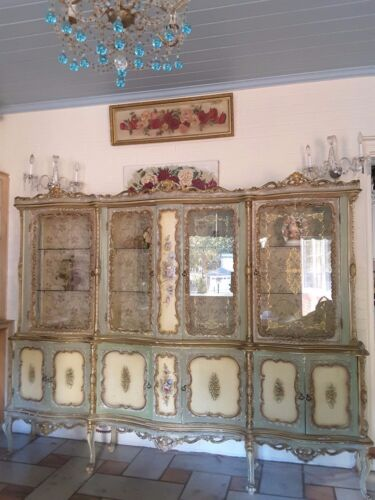 Romantic Vintage Shabby Italian Venetian Hand Painted Roses Ornate Curio Cabinet