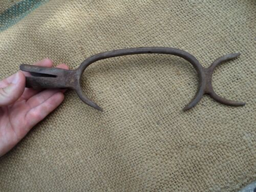 RARE ANTIQUE WROUGHT IRON SNAKE CATCHER TOOL REPTILE HOOK BLACKSMITH HAND FORGED