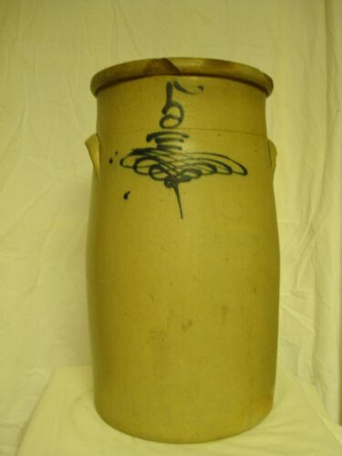 Antique Redwing 5 gallon butter churn with drop 8 design