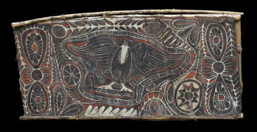 Ecorce peinte blackwater, painted sago bark ceiling, oceanic tribal art