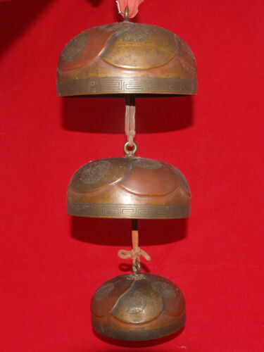 ANTIQUE SET OF LAQUERED GILT DECORATED BRONZE JAPANESE TEMPLE BELLS CHIMES ASIAN