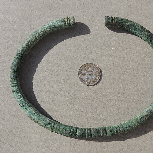 a decorated ancient african copper bracelet djenne mali sub sahara #158