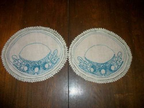 ANTIQUE LINEN EMBROIDERED ACORN OAK DOILY Pr. CROCHET COTTAGE CHIC SHABBY