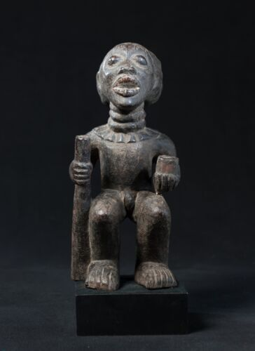 Babanki Royal Figure, Cameroon Grasslands, West African Tribal Art.