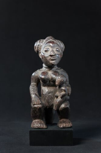 Babanki Maternity Figure, Cameroon Grasslands, West African Tribal Art.