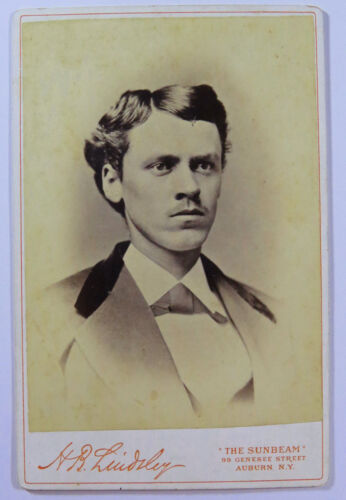 ID'd Cabinet Card Photograph Portrait Of A Man HB Lindsley Auburn New York