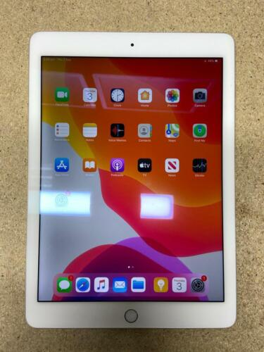 Apple iPad Air 2 128GB wifi only immaculate condition SILVER GREY GOLD