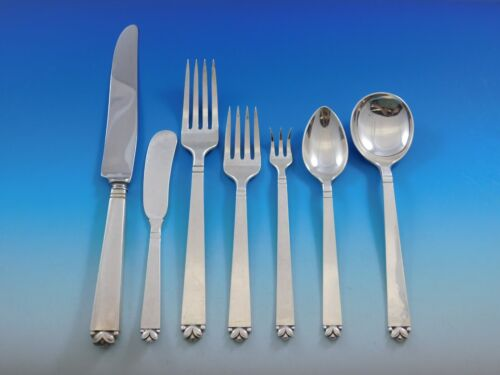 Oak Leaf by Old Newbury Crafters Sterling Silver Flatware Set 88 Pieces Dinner