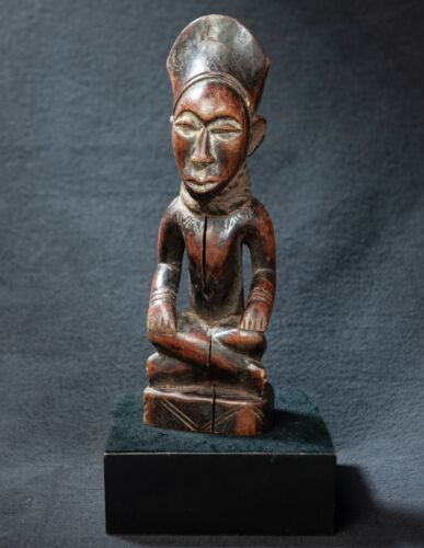 Yombe, Phembe  Statue, Democratic Republic of Congo, Central Africa