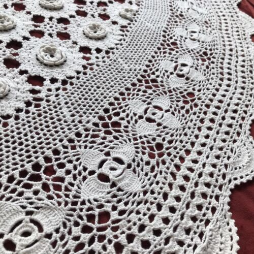 Vintage 3D Flowers Hand Made Crochet Lace White Tablecloth Round