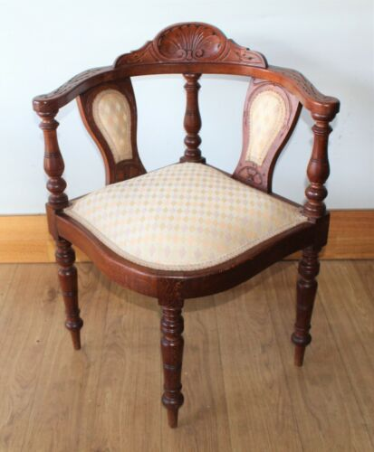 Antique Edwardian Oak Shell Carved corner chair with turned Legs