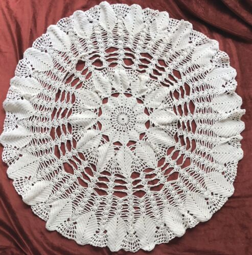 Vintage Leaf Motif Round Hand Made Crochet Lace Cream Tablecloth