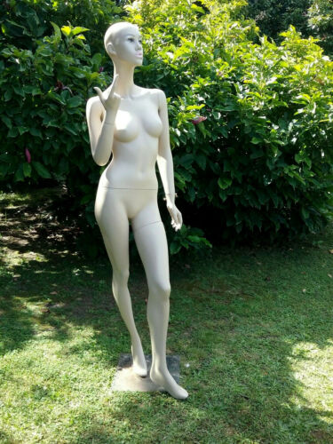 Full Body Vintage Female Mannequin 175cm