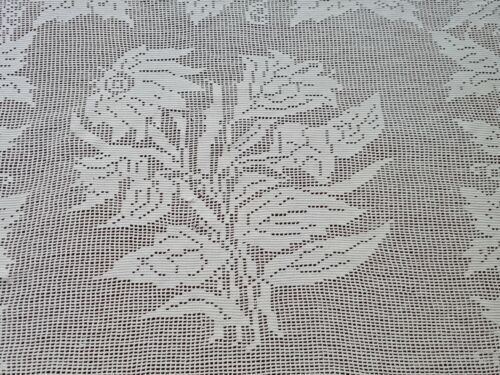 Antique Daisy Coneflower Filet Crochet Lace Fringed Tablecloth Grapevine