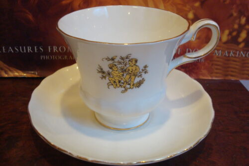 "Royal Tuscan Wedgwood cup and saucer, made in England ""Gemini"" pattern[a*5-b3]"