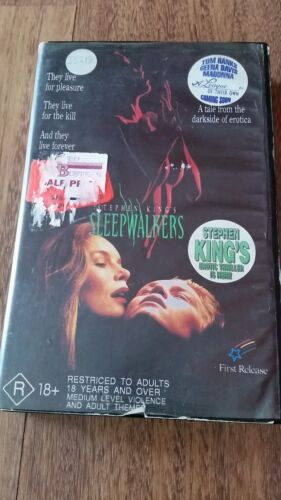 SLEEPWALKERS - STEPHEN KING- BRIAN KRAUSE, MADCHEN AMICK, - VHS FIRST RELEASE