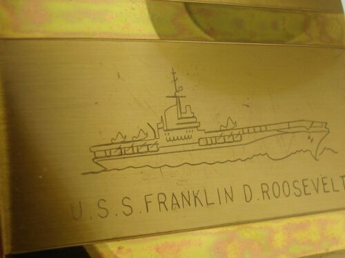 VINTAGE WWII ERA LADIES COMPACT ENGRAVED U.S.S. FRANKLIN D. ROOSEVELT! MINTY!Original Period Items - 13981