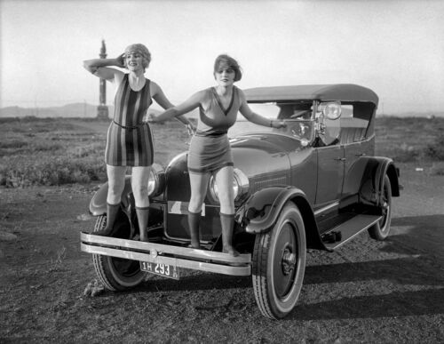 """1923 Flappers in Front of a Peerless Touring Car 14 x 11"""" Photo Print"""