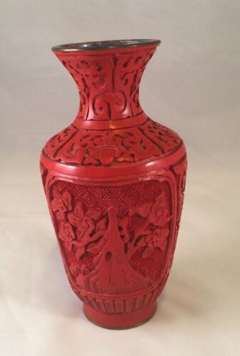 """Vintage Carved Lacquered Cinnabar Chinese Blue Enamel Interior 6"""" Tall"""