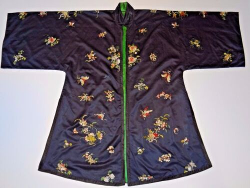 19th C. Qing [Ching] Dynasty Chinese Silk Embroidered Han-Style Informal Robe