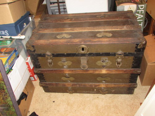 Antique 32 inch steamer trunk early 1900's Excellent shape