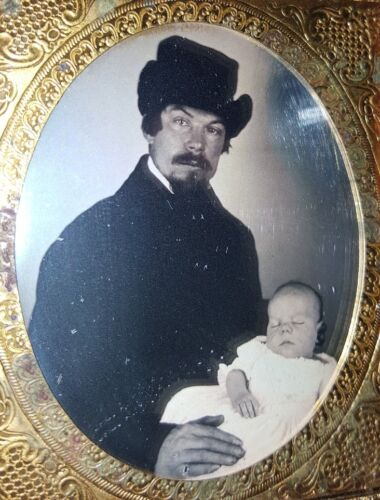 ANTIQUE AMERICAN FATHER BABY POST MORTEM MUSEUM QUALITY RARE DAGUERREOTYPE PHOTO