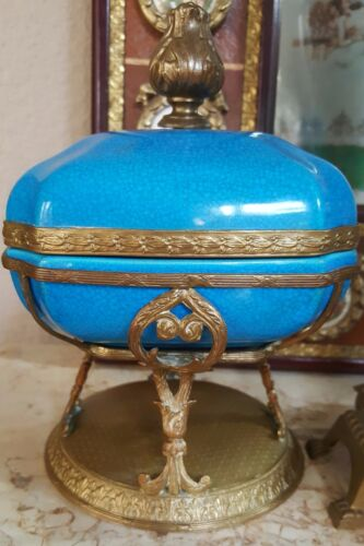 Antique Boch Freres Dresser Box With French Ormolu Bronze/Brass Footed Mounts