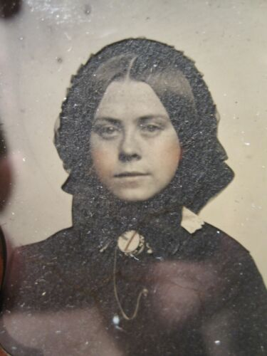ANTIQUE AMERICAN BEAUTY AMBROTYPE BONNET BROWN EYED GIRL HAIR FASHION FINE PHOTO