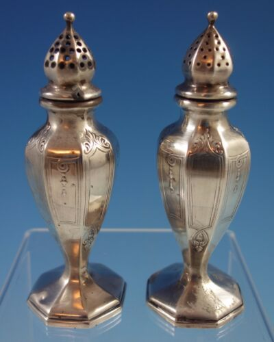 Chateau by Lunt Sterling Silver Salt and Pepper Shakers 2pc #T175 (#1655)
