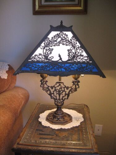 Asian Themed Beautiful Antique Arts & Crafts Two Tone Blue Slag Glass Table Lamp