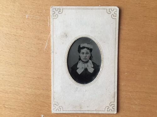 RARE VICTORIAN VINTAGE MOMENTO FROM GIRLFRIEND: Tinted Cheeks Young Lady Tintype