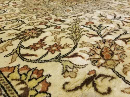 "Exquisite Vintage 1960's  Natural Dye 6'4""×9'7"" Wool Pile High-End Hereke Rug"