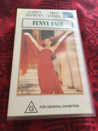 FUNNY FACE - FRED ASTAIRE, AUDREY HEPBURN  -  VHS VIDEO