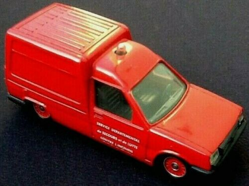 Voiture miniature Renault  Express  Pompiers   (1988)   Solido