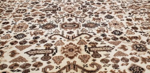 Stunning Late 1950's Semi Antique Undyed Wool Color Armenian Hereke Rug 8x11ft