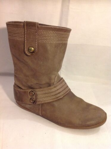 Ladies Brown Ankle Leather Boots Size 5.5