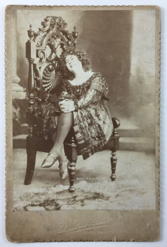 Cabinet Card Photograph Beatrice Earle Stage Actress Posing On Ornate Chair