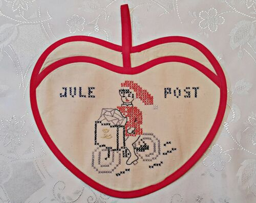 VINTAGE CHRISTMAS POSTBOY JULE POST POCKET RED WHITE COTTON WALL TAPESTRY