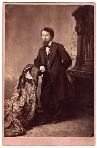 CABINET PHOTOS YOUNG MAN BEARD WOMAN RINGLETS LOVEDAY CHICAGO ILLINOIS