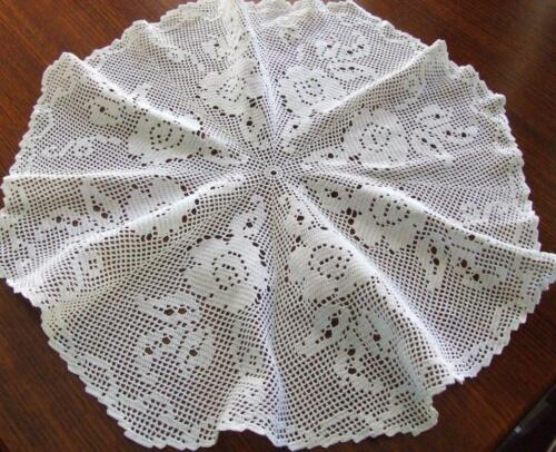 Gorgeous Large Round Vintage Hand Crocheted Table Centre -Filet & Floral Pattern