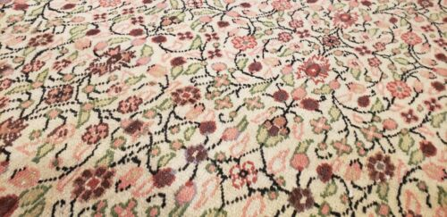 "Beautiful Antique 1920-1930s Wool Pile Natural Dye Legendary Hereke Rug 6'6""×9'8"