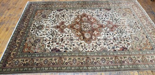 Early 1940's Antique Wool Pile Muted Dye Legendary Nagorno-Karabahk Rug 5x7ft