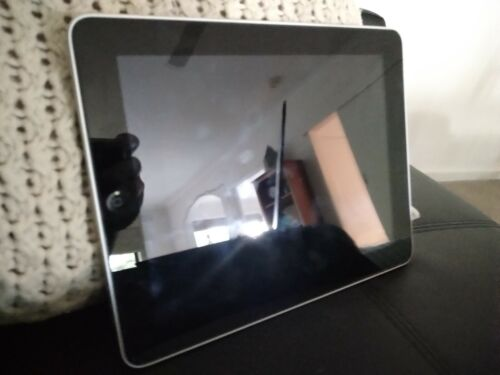 Apple iPad A1219 1st gen 32gb unlocked, working perfectly with good battery life
