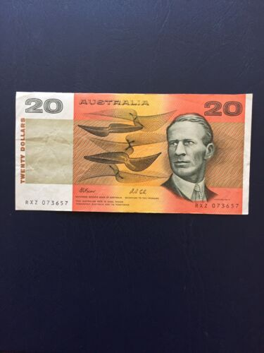 Australian Dollar 20 Denomination Banknote.Ideal For Collection.