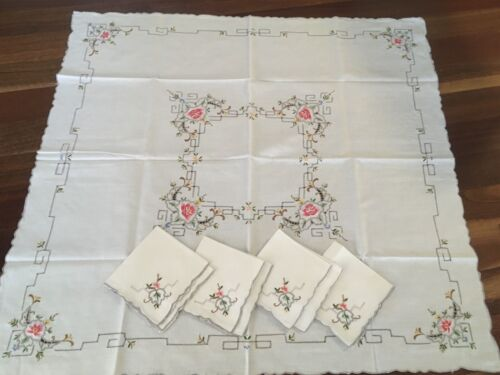 Vintage Cream Cotton Rose Embroidered Tablecloth Supper Cloth & 4 Napkins exc