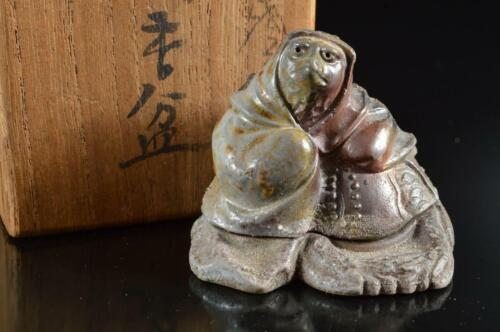 #5995: Japanese Bizen-ware Youhen pattern Raccoon dog-shaped INCENSE CONTAINER